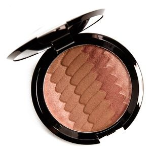 BECCA shimmering skin perfector® pressed highlight